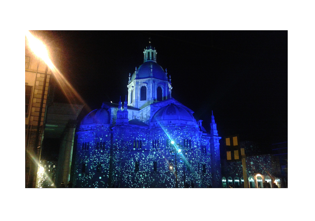Luci di Natale 2015: vista posteriore del Duomo in Como / Christmas lights 2015: rear view of the Cathedral in Como