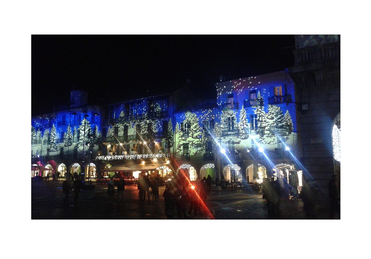 Luci di Natale 2015: Piazza del Duomo in Como  /  Christmas lights 2015: the Cathedral Square in Como