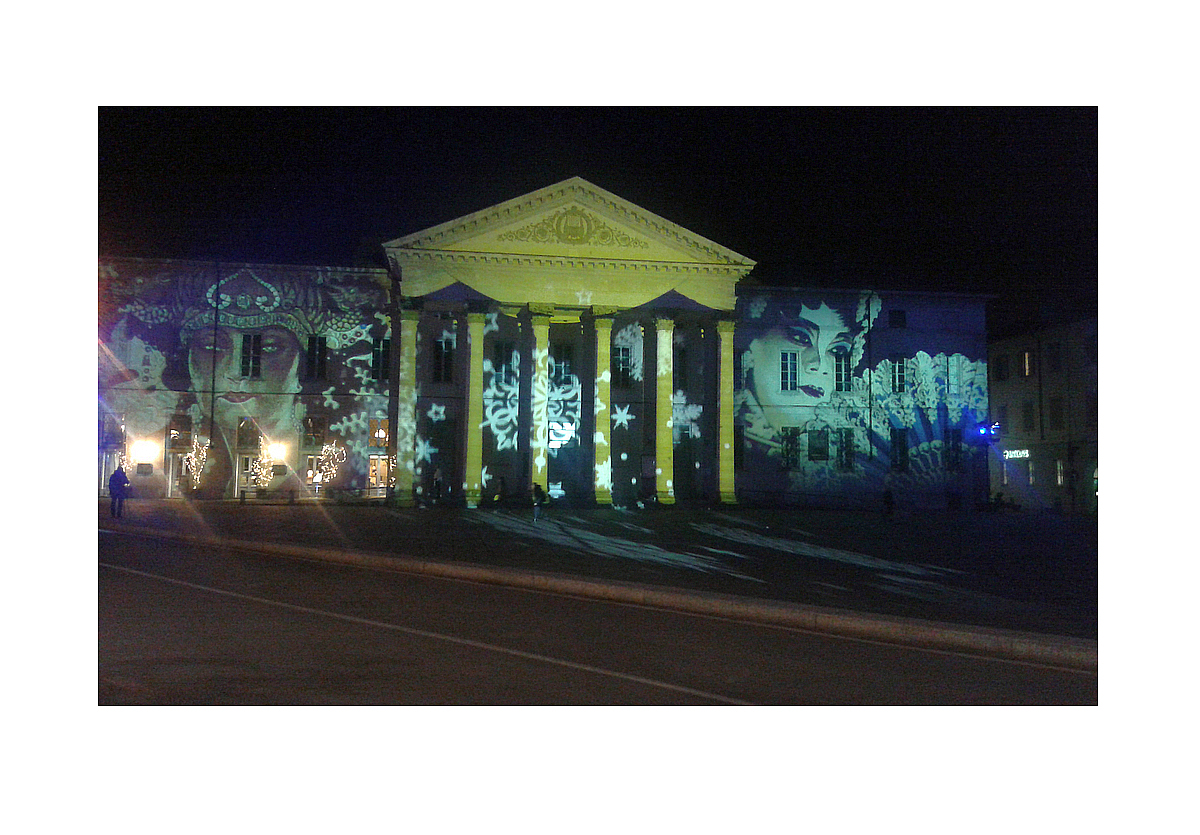 Luci di Natale 2015: Teatro Sociale in Como  /  Christmas lights 2015: the Teatro Sociale in Como